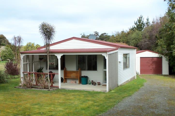 Lancewood Cottage