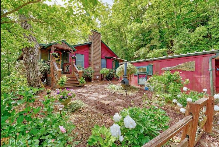 Clayton's Coziest Cottage