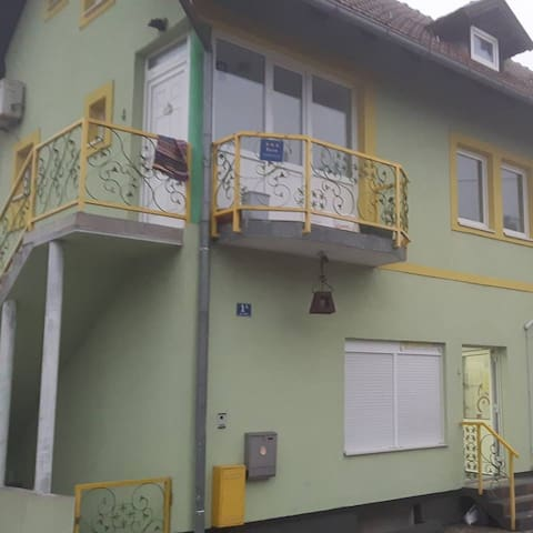 Nice house with balcony & Wifi