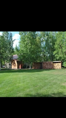 Large home located near Chena Lakes - North Pole - House