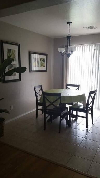 Yavapai dining/kitchen