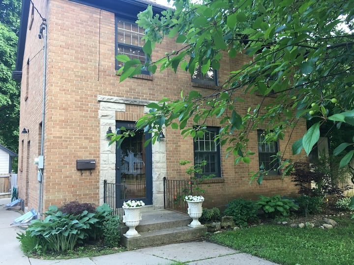 1930's Peacehaven: Comfy amenities — 1 Queen BR#1