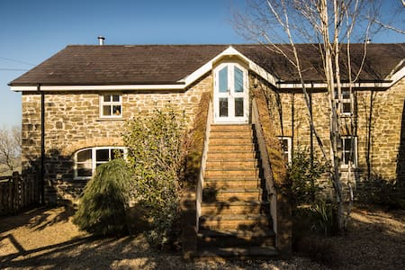 Llansteffan, Comfortable Holiday Home with a View