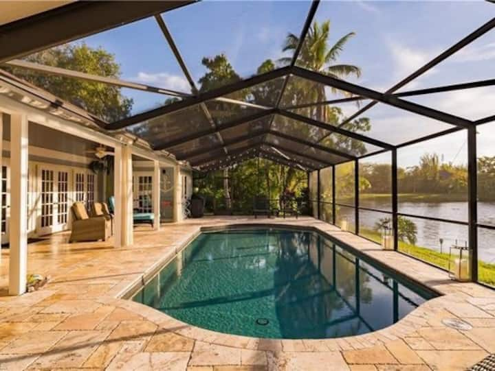 Private lake front oasis in Fort Myers
