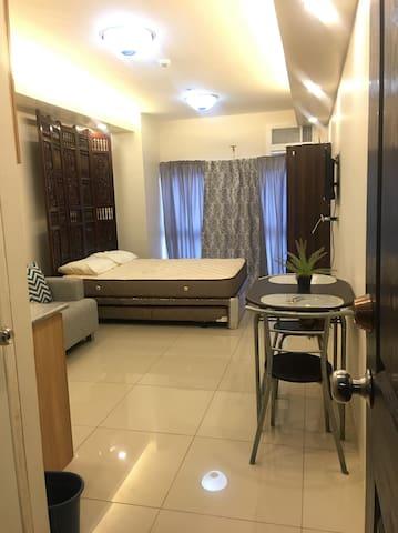 Studio Unit across Sm Cebu A518(WIFI)