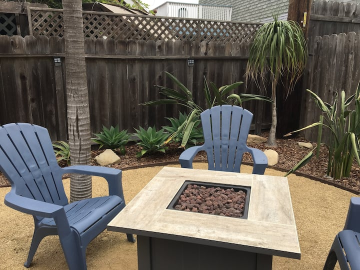 silver strand 1 bedroom w backyard & patio!