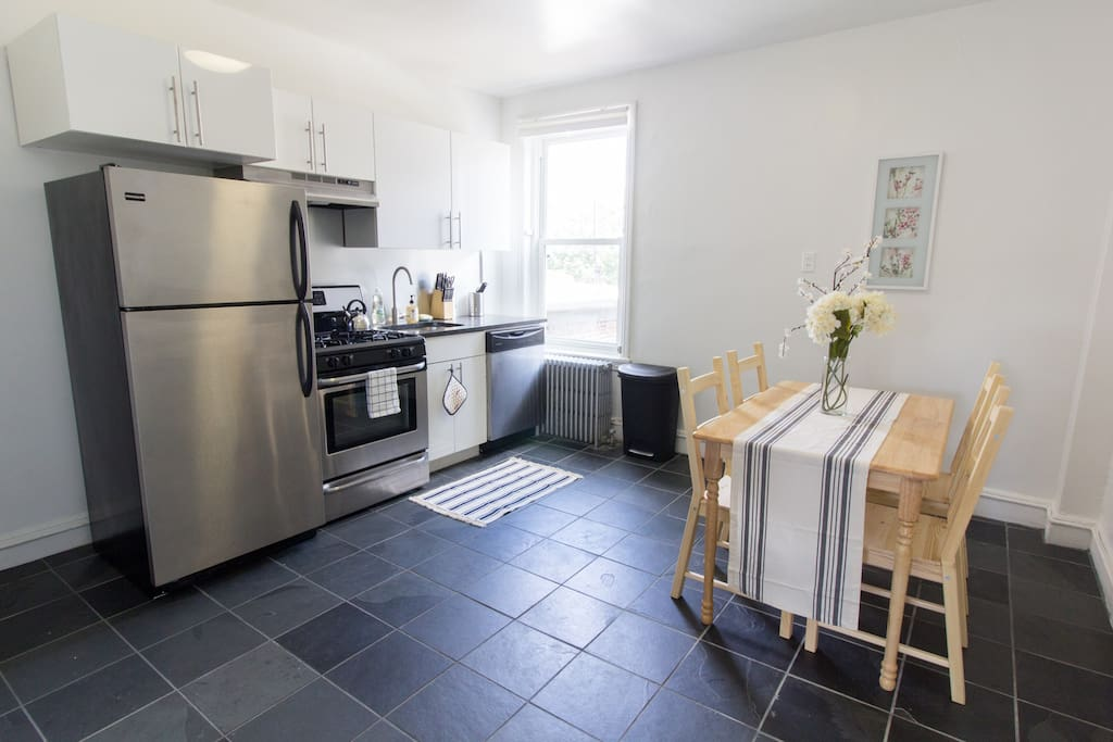 Eat-in open and spacious kitchen
