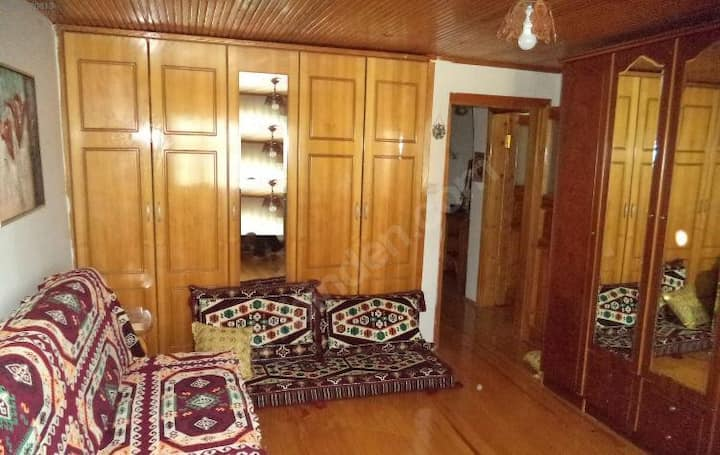 COSY AND WOODEN AUTHENTIQUE PLACE IN ATASEHIR