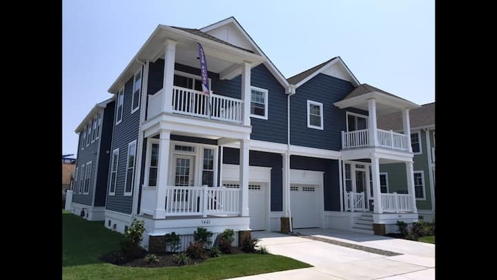 4BR/3.5 bath NEW home in Wildwood Crest by beach!