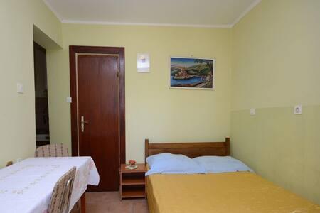 Apartments Mira / Studio A3 - Bibinje