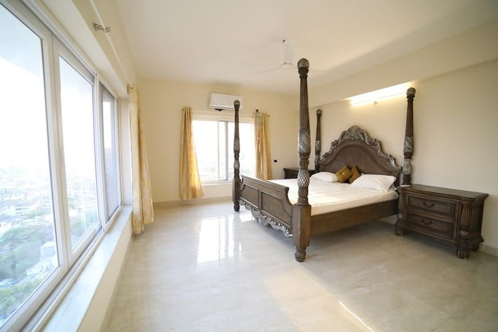 Beautifully furnished new 3 bedroom apartment