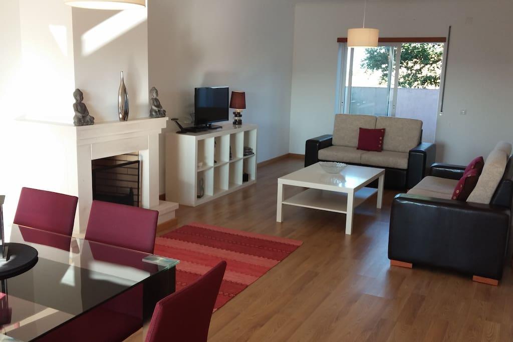 Dinning & lounge area