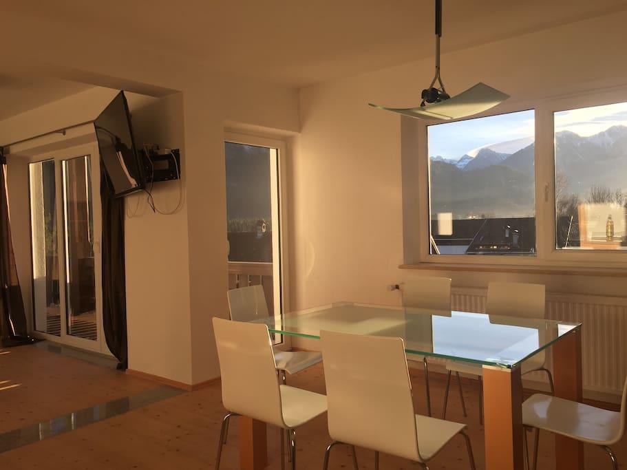 Esszimmer mit Durchgang Wohnzimmer