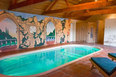Luxury Holiday Home with Indoor Pool, Sauna & Gym