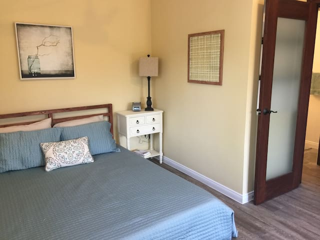 Newly Renovated Private Guest House - Burbank - Guesthouse