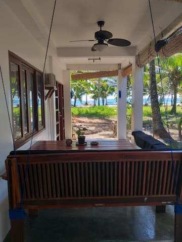 SEAGRASS APARTMENT'S  BEACH FRONT