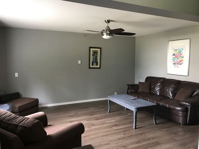 Cozy Clearwater Condo (back Unit)