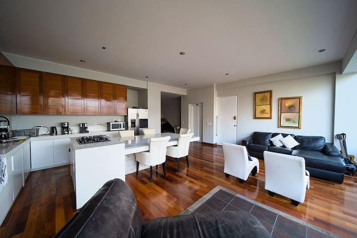 ILLA Suite share luxury Flat 120m2 high cealings B