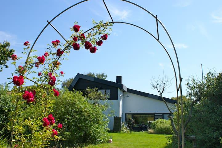 Haus Grenzland, Zimmer LINA - Rodenäs - Casa