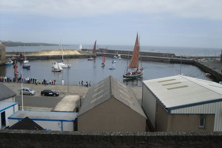 House by the Harbour in Wick - NC500 route - Wick - Maison
