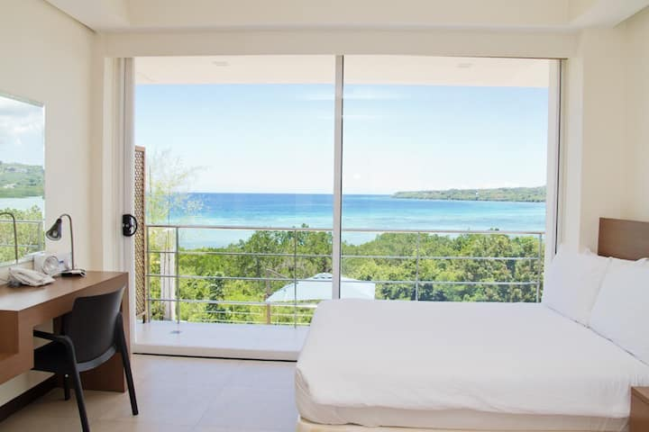 Beautiful Ocean View - Deluxe Room