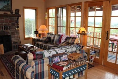 5 Bdrm Hilltop Home, 2 Decks with Amazing Views - Chama