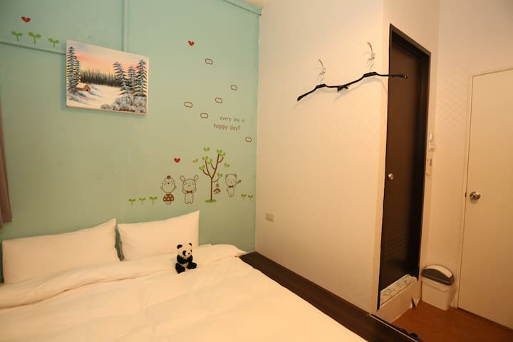 Xinmen max6 ppl (2 double/ 1 twin room) - Wanhua District - Apartment