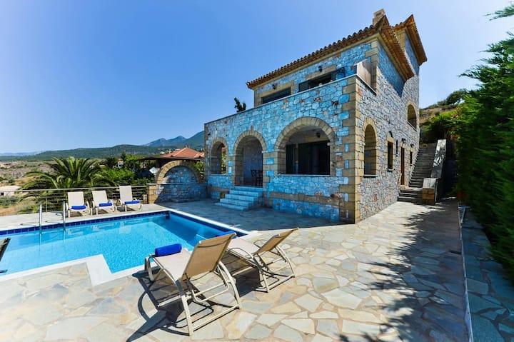 Luxury Villa Nefeli in Stoupa, Private Pool & BBQ