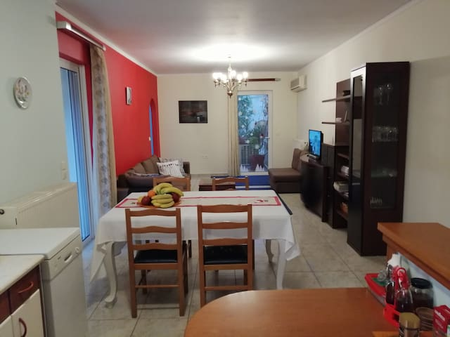 Extra 102m2 apartment in Nafplio!!