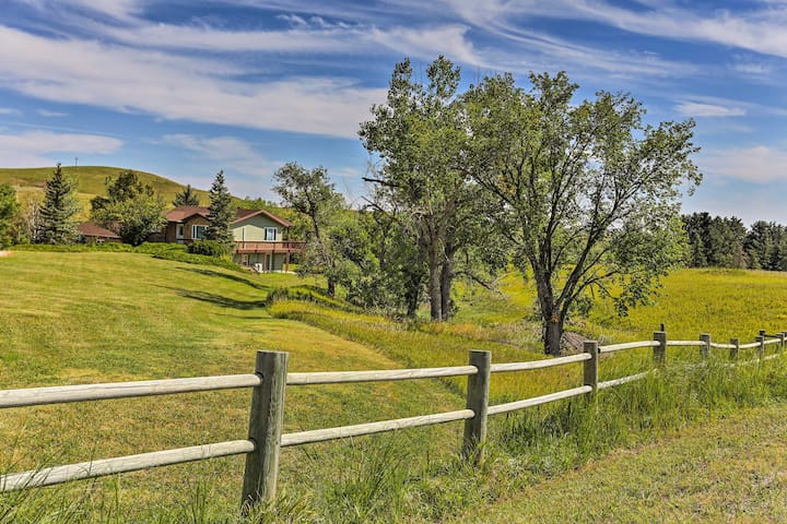Rapid City House w/Deck on Private 150-Acre Estate
