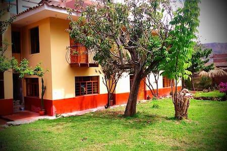 Hostal Valle Urubamba - Urubamba - Bed & Breakfast