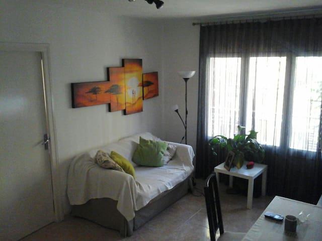 LOVELY ROOM IN BARCELONA