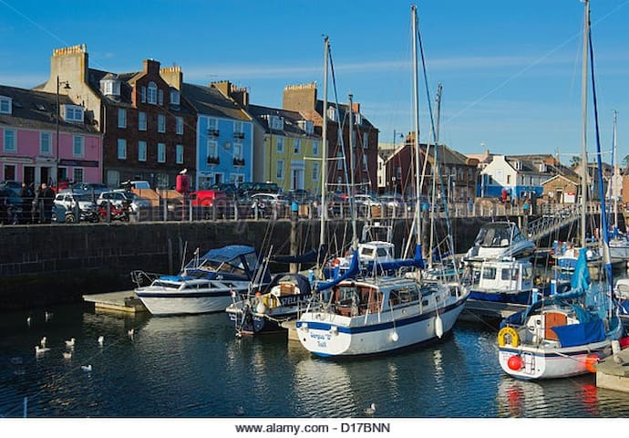 Harbour Haven 2, Historic Landmark Apartment - Arbroath