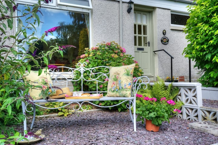 September Cottage - a cosy retreat