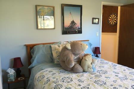 Freshly Remodeled Guest Room! - Glenwood Springs