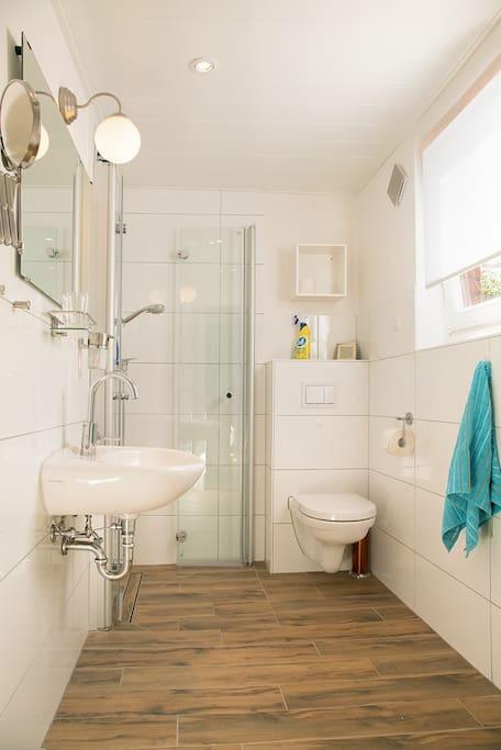 Ein komplett neu renoviertes Bad