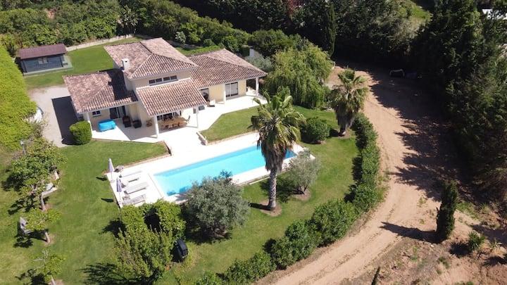 Corsica Villa 4 ch sur 1 hectare piscine chauffée