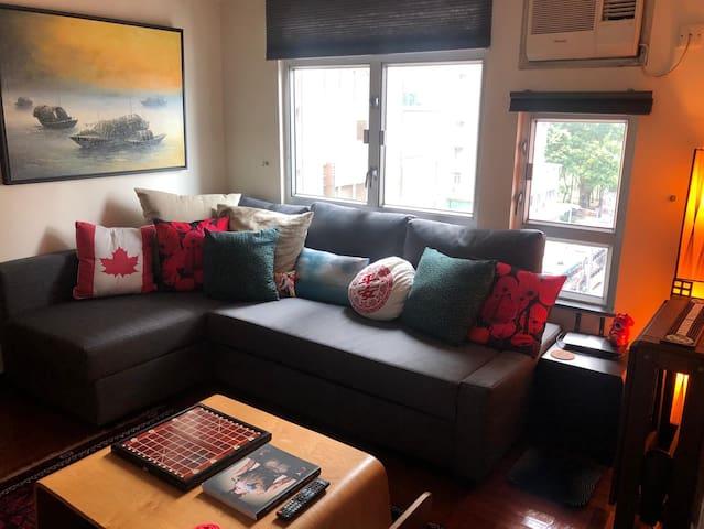 Seaside 2BR for Comfy Getaway, Central in 10 mins