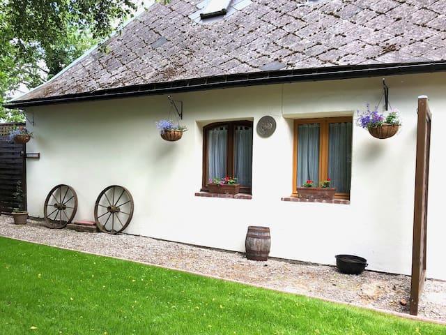 Gite cottage 'Picardie' at Le Vieux Presbytere
