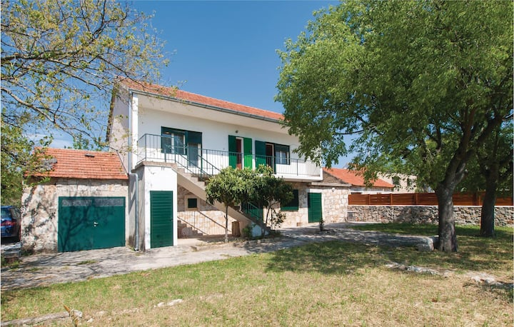 Awesome home in Dubrava with WiFi and 2 Bedrooms