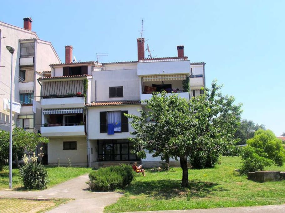 Property in a multi-family housing (6 units in total), 1st floor