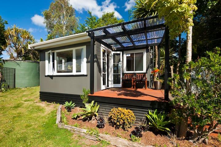 Kereru Cottage - Glenbervie - House