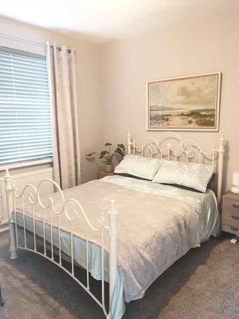 Acogedor dormitorio doble en una zona tranquila cerca del hospital Victoria