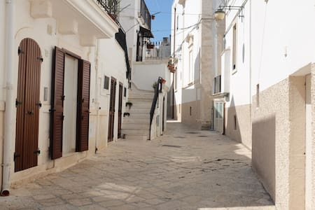 lovely home in the old town centre of Noci - Noci - House