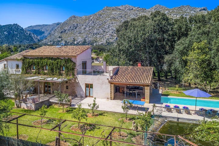 Stunning countryside villa with pool, Pollensa