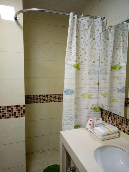 独立卫浴,24小时热水
