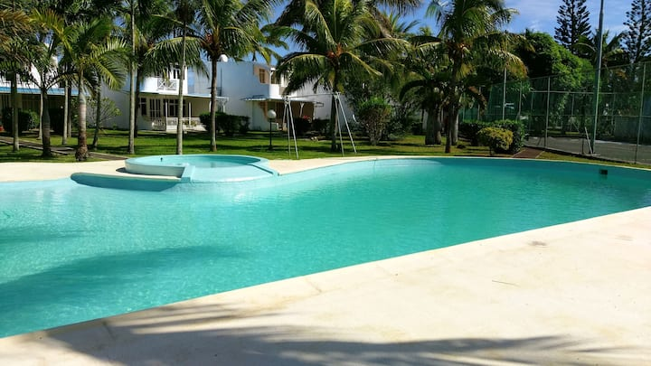 House with 3 bedrooms in Trou-aux-Biches, with shared pool, enclosed garden and WiFi - 2 km from the beach