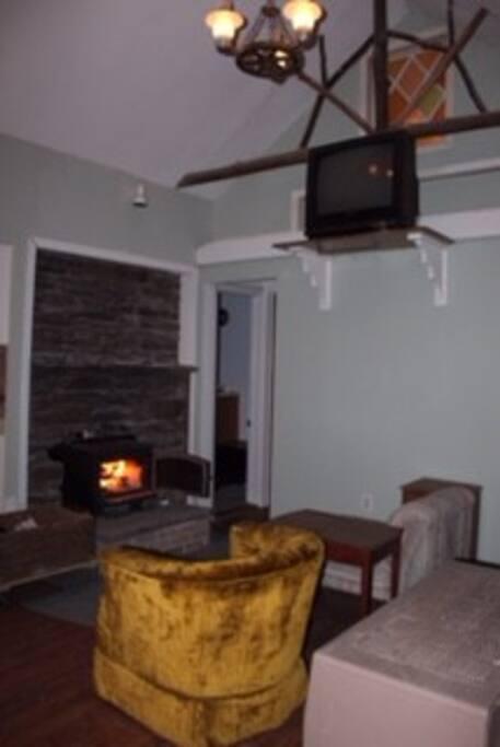 living room w/wood stove