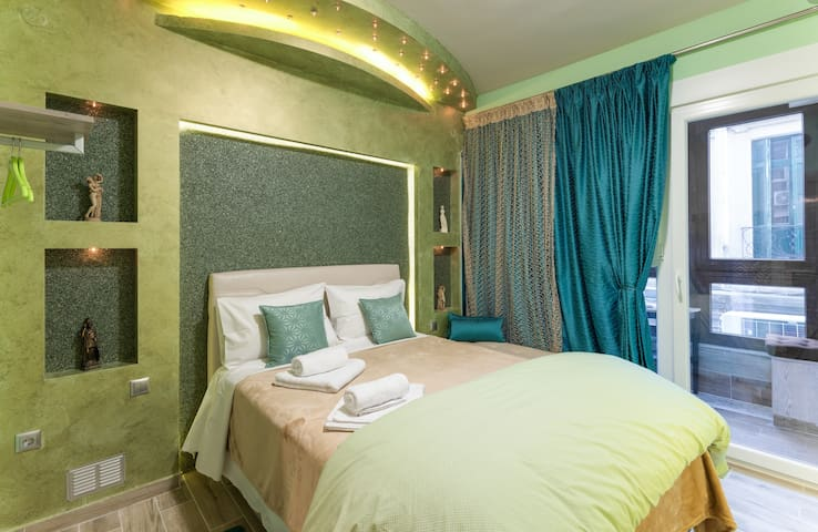★CENTRAL LUXURY MINI SUITE EMERALD★JUST RENOVATED