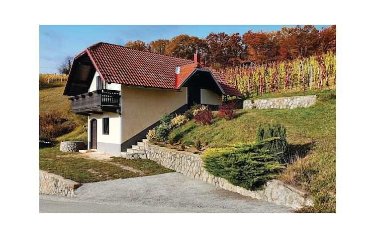 Holiday cottage with 1 room on 65 m² in Trebelno